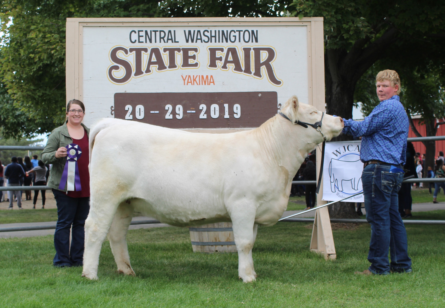 Junior Show Grand Champion Female.JPG