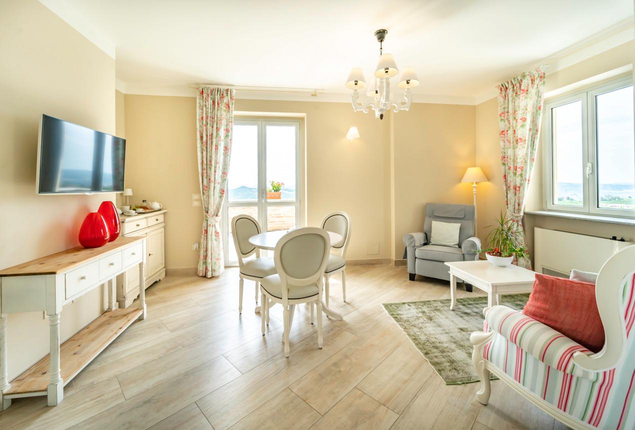 Le nostre suites hanno un bel salotto per il thè!