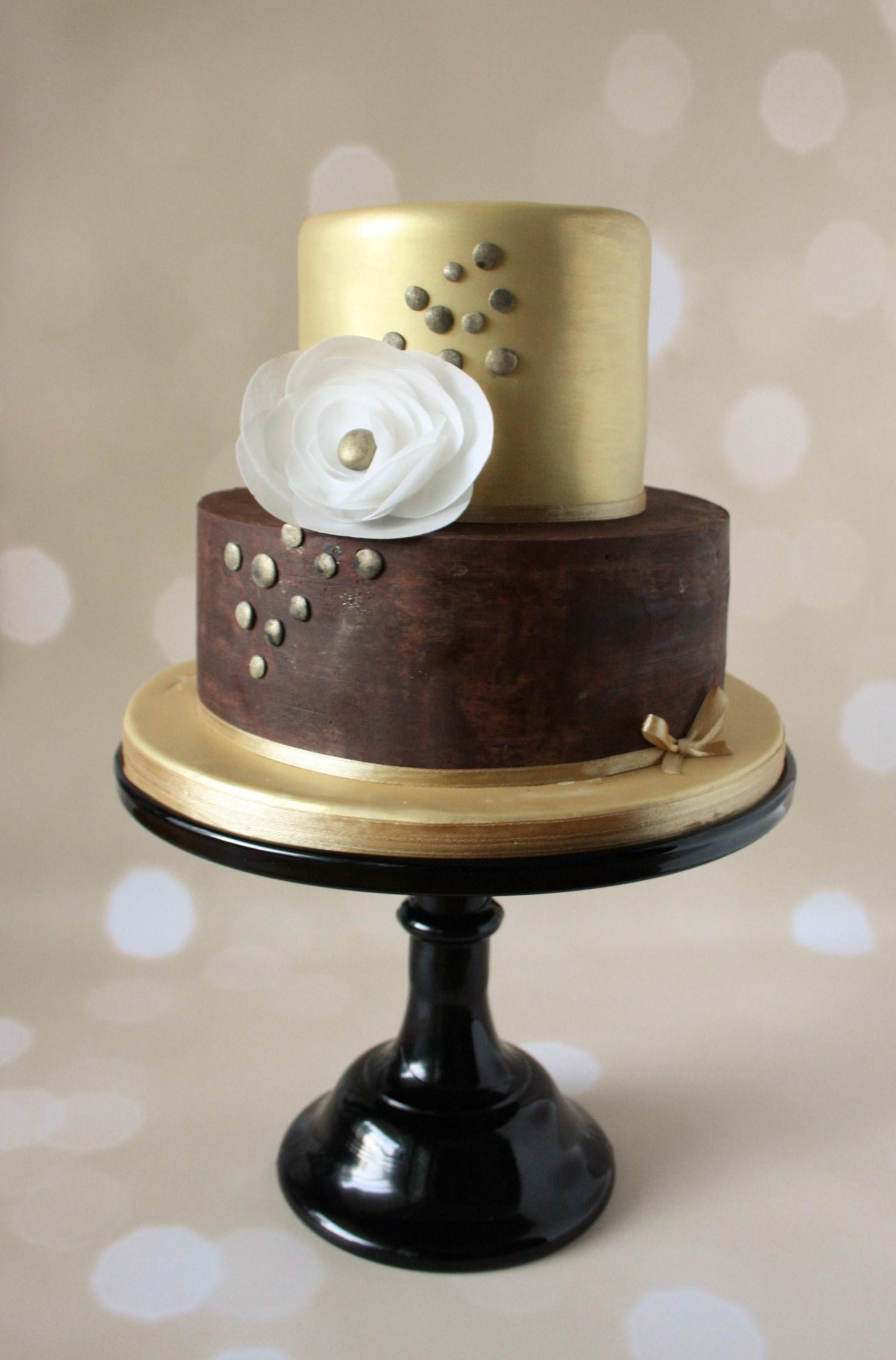Gold Lustre Cake.JPG