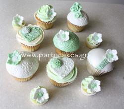 mint vintage cupcakes 1.jpg