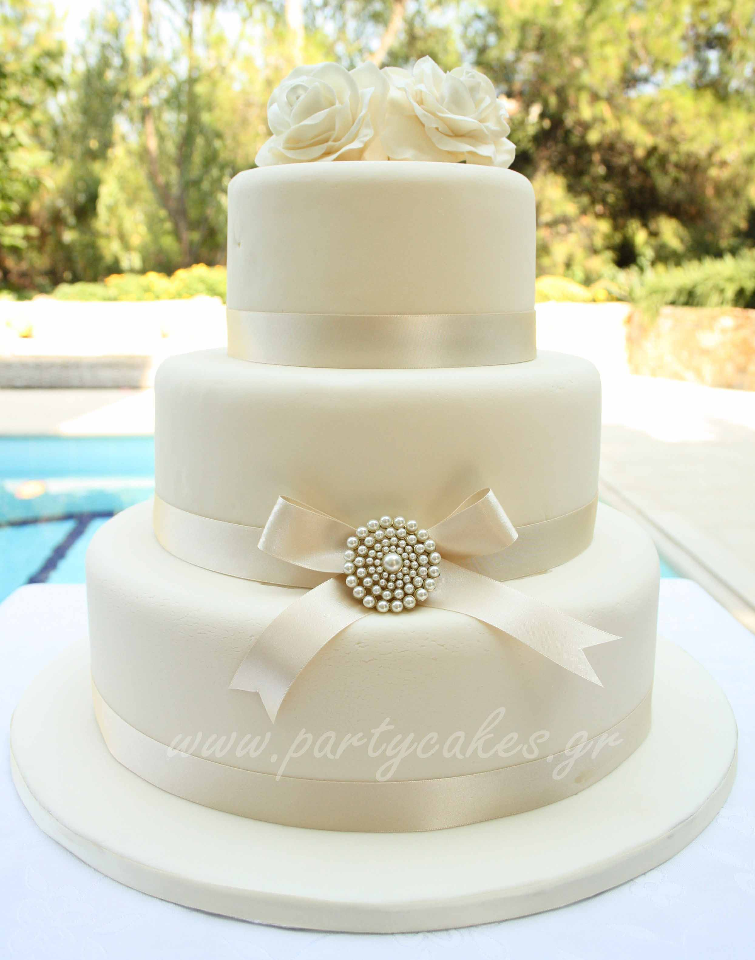 Wedding+cake+brooch+1+copy.jpg
