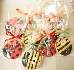 Bees+and+ladybird+cookies+in+bags+copy.jpg