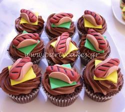 BBQ+cupcakes+3+copy.jpg