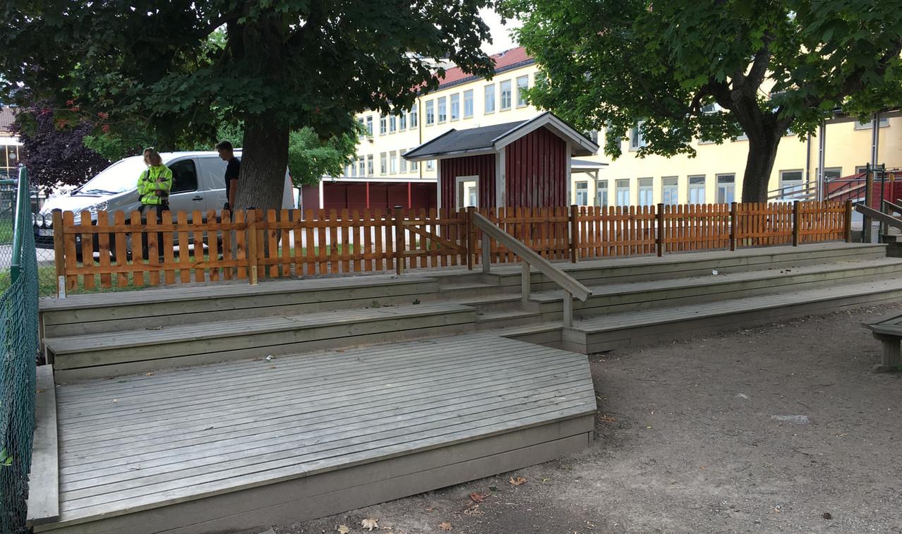Montering_staket_förskola_Solna.jpeg