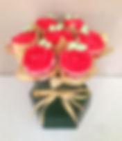 cupcake bouquet box red roses w dk grn b