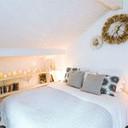 verhuur chalet berg witte kamer