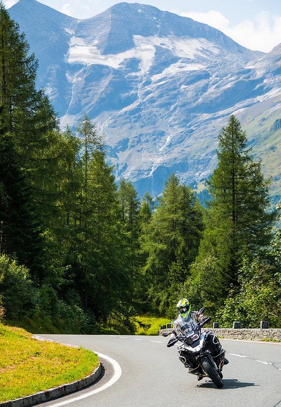 Randonnées en moto Haute-Savoie (74) location de vacances chalet les Cerises