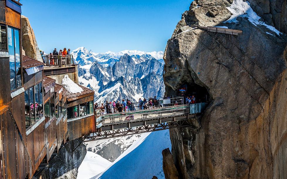 Aiguille du Midi Haute montagne Mont-Blanc Haute-Savoie 74 location de vacances chalet les Cerises
