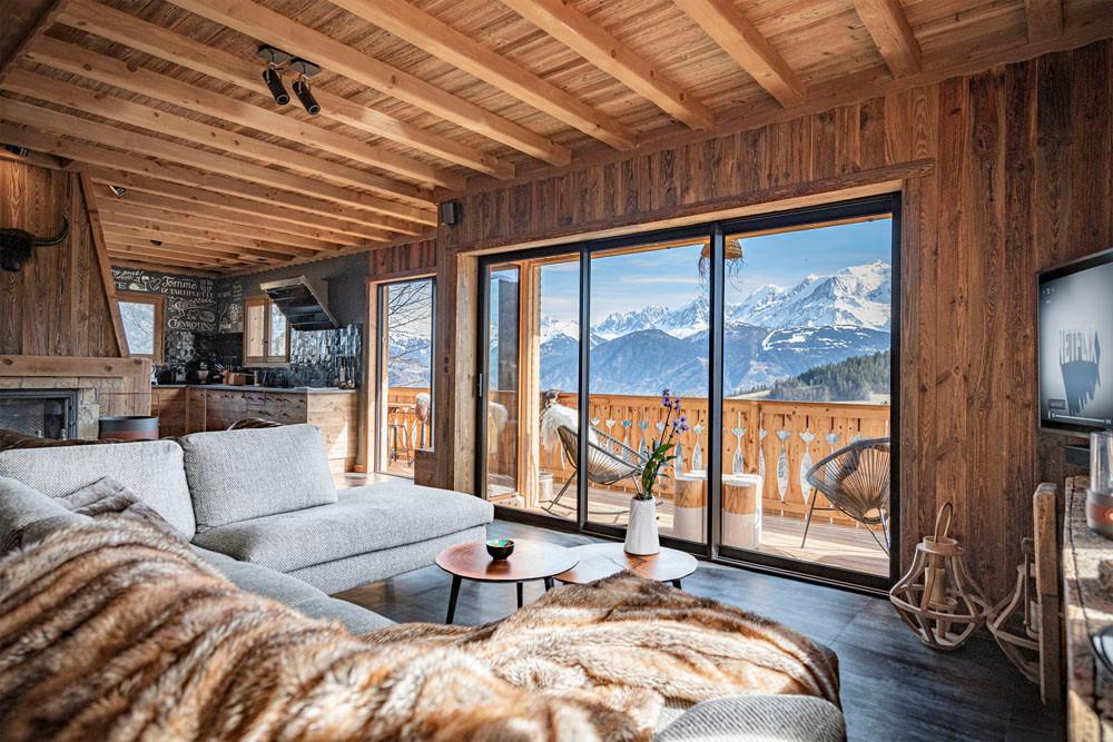 baie vitrée vue montagne chalet les Cerises Haute Savoie
