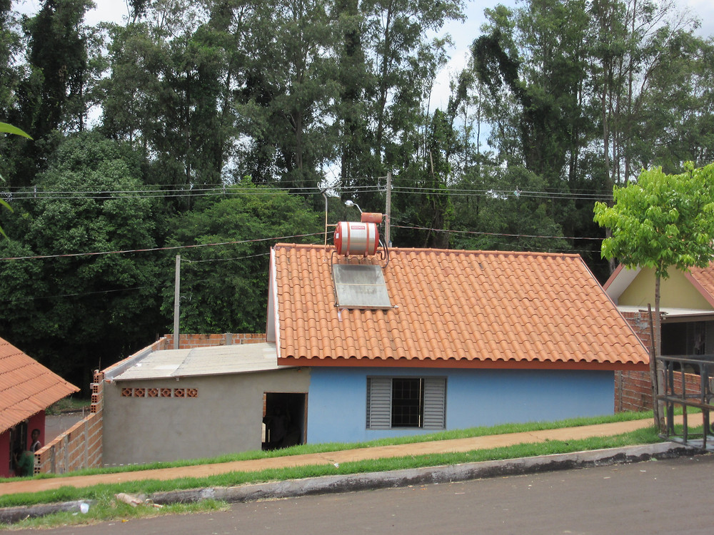 Houses in allotment after occupation - Cambé, Paraná