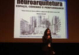 Andréa de Paiva palestrando no Neurobusiness Summit 2017