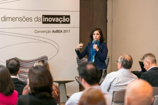 Andréa de Paiva palestrando na Convenção da ASBEA 2017