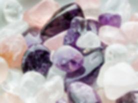 磨かれた石
