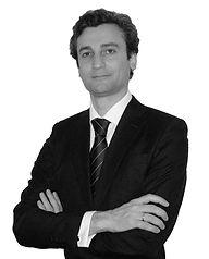 Gabo Usharauli abogado