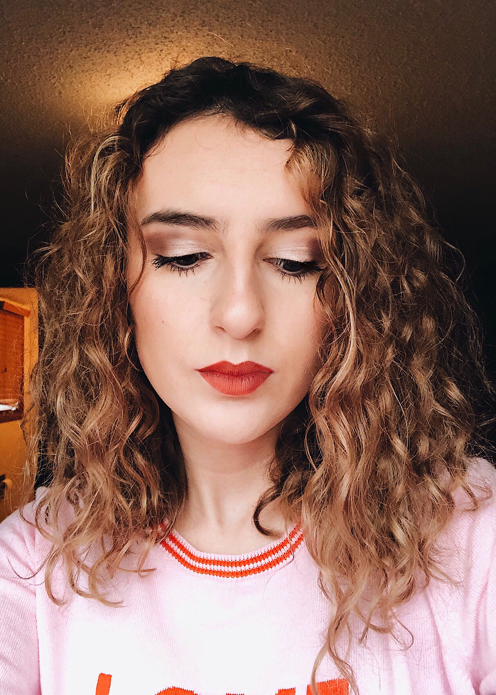 Abby Graf, curly hair, the bleached curl, Selfie