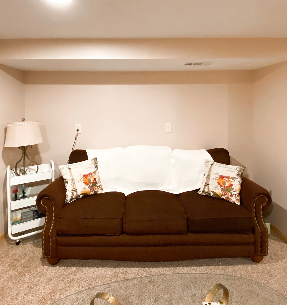 Abby Graf, The Bleached Curl, DIY feature wall BEFORE