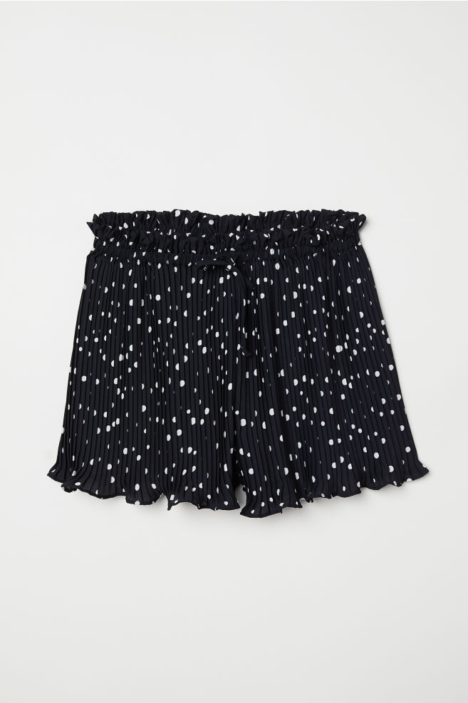 H&M Pleated Shorts - $34.99