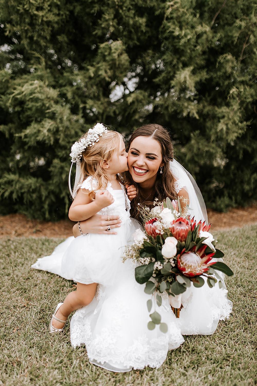 Bride and Flower Girl (c) AshlynCatheyPhoto