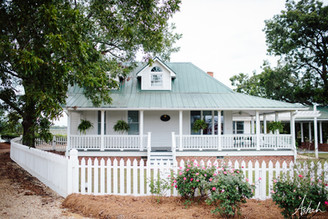 The Farmhouse | History of Twin Oaks Farm Lodging