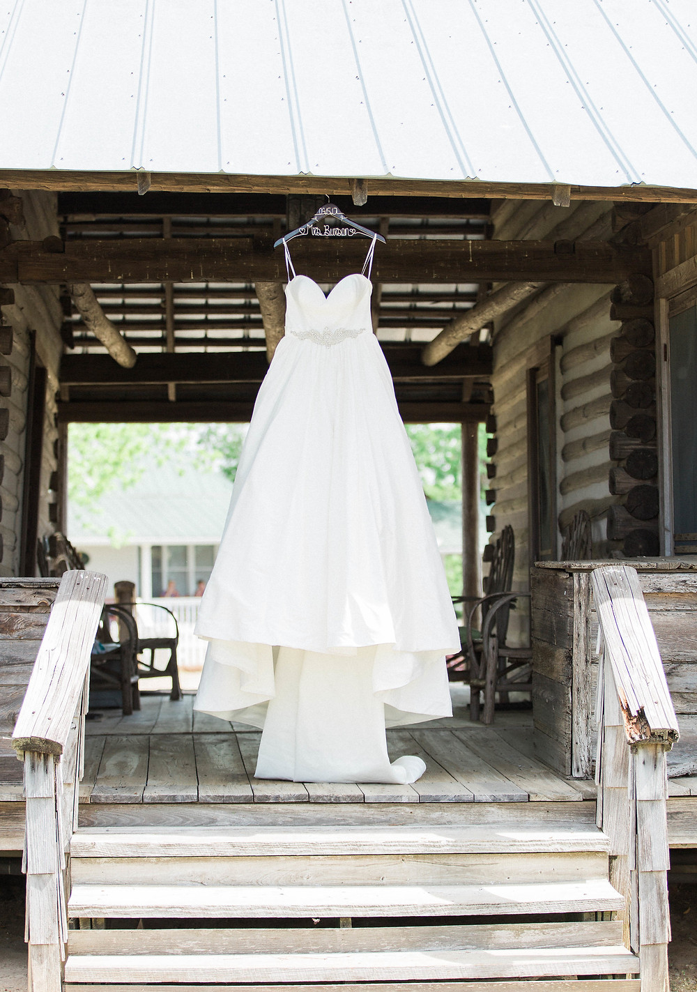 BridesDressonCabin_ChasityPosey