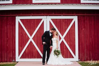 Fall Wedding Under the Pecan Tree | Kinsley+Cameron