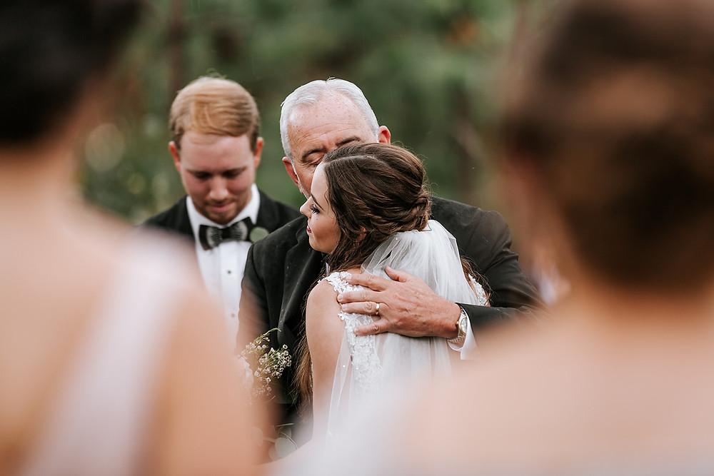 Bride and Dad (c) AshlynCatheyPhoto