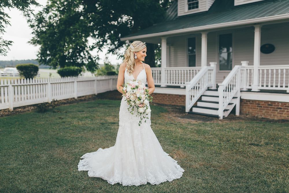 BrideatTwinOaksFarm(c)Amber Phinisee Photography