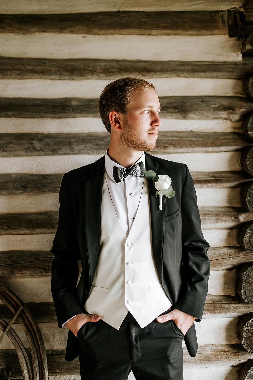 Groom Portrait (c) AshlynCatheyPhoto