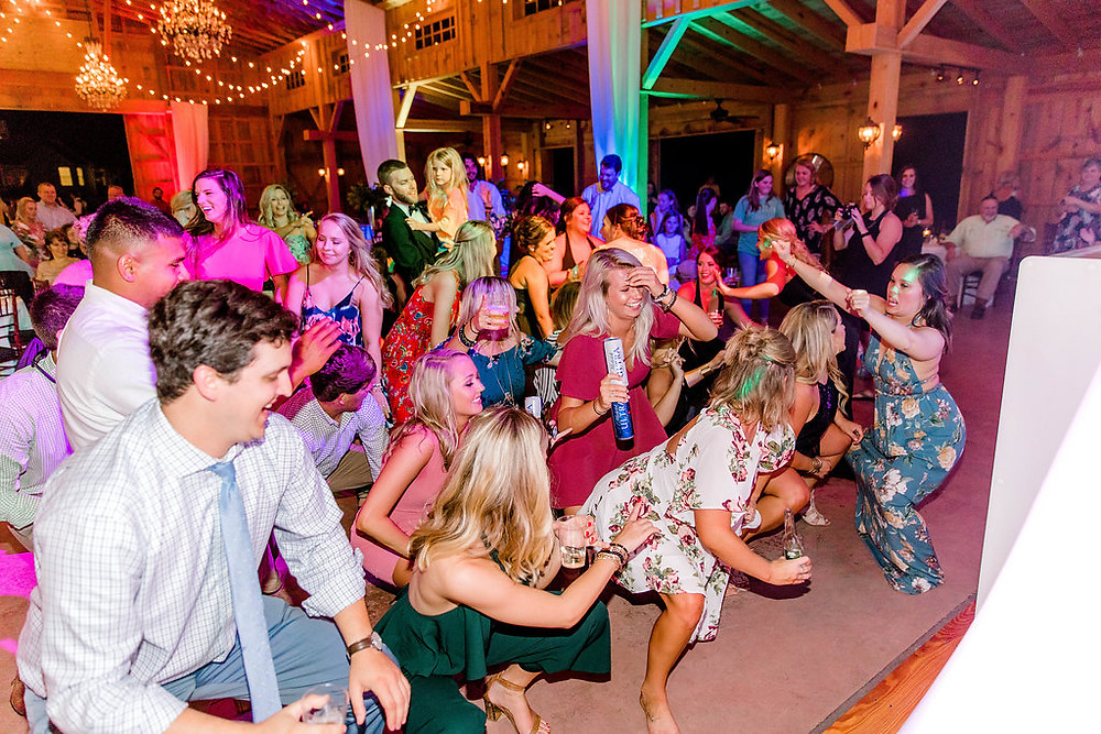 Guests Dancing (c) MorganLeighPhoto