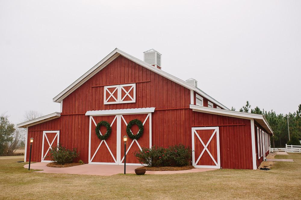 Twin Oaks Grand Barn  | Two Chics Photography
