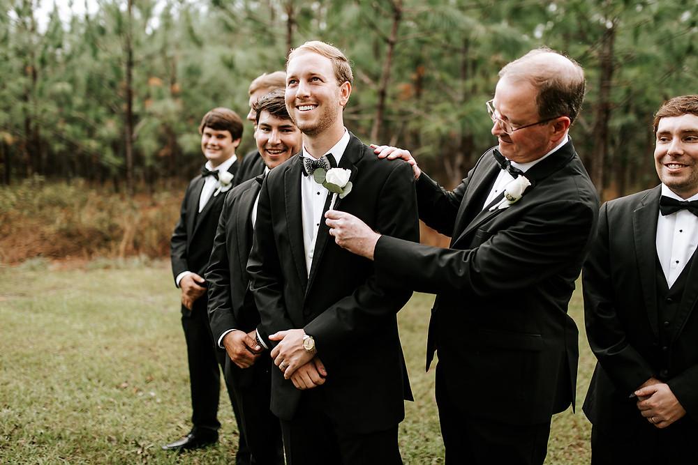 Groomsmen Prepping (c) AshlynCatheyPhoto