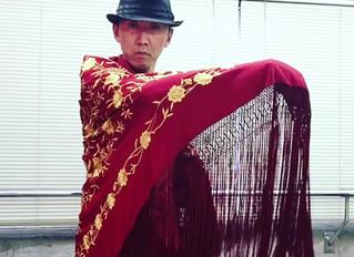 岐阜市でフラメンコ☆女子アイテムのマントンをさばいて踊る。