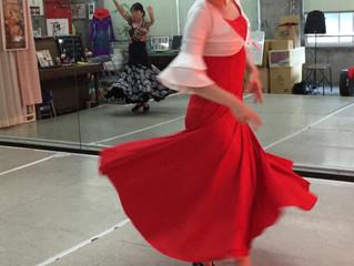 岐阜市でフラメンコ☆赤いドレスで踊る。