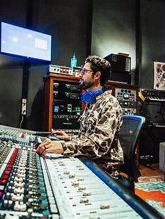CB Photography. Scott in the Studio-40.jpg