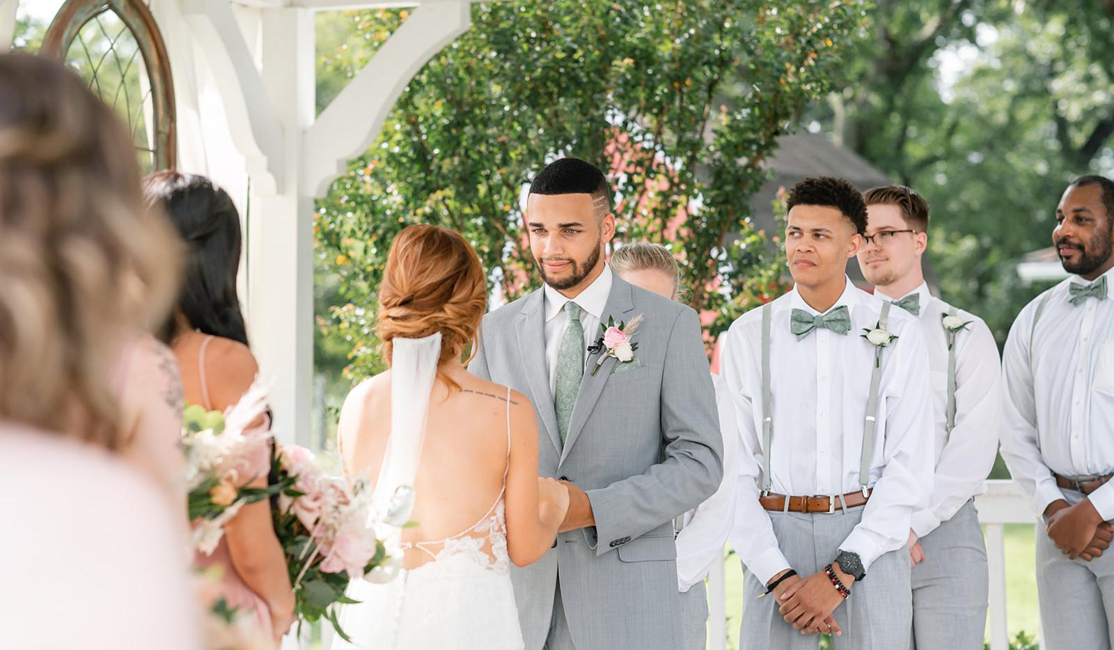 Sarah & Jordan Wedding Preview-1-41_webs