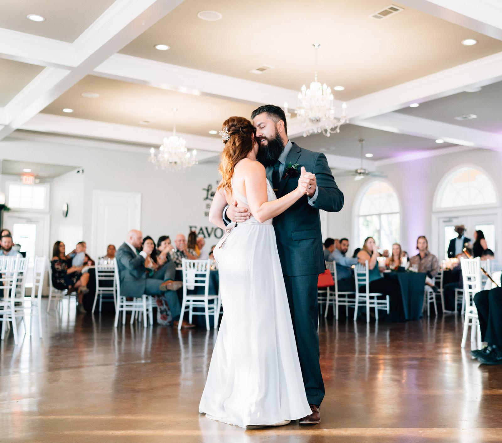 Waxahachie Wedding Venues: DFW Wedding Venue