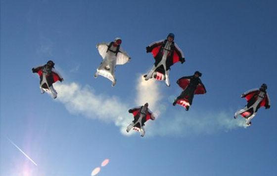wingsuit_formation.jpg
