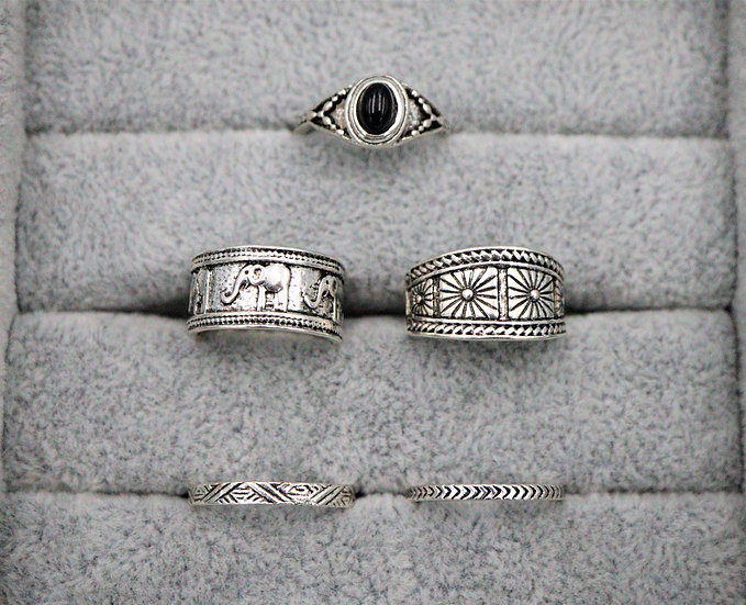 Lyric Ring Set