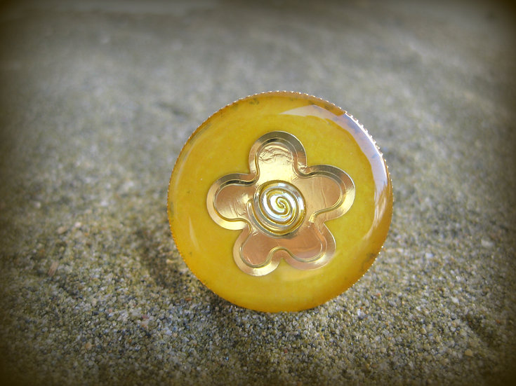 Gold Flower Resin Ring