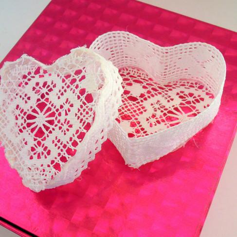 DIY Lace Heart Box / Valentine's Gift Idea