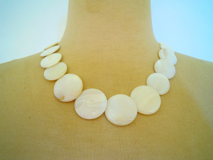 Round Shell Necklace