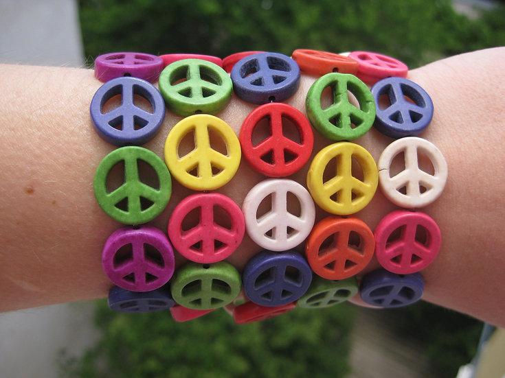 Howlite Peace Sign Elastic Bracelet