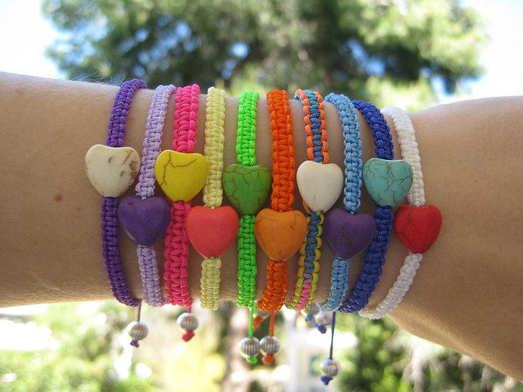 Howlite Heart Macrame Bracelet