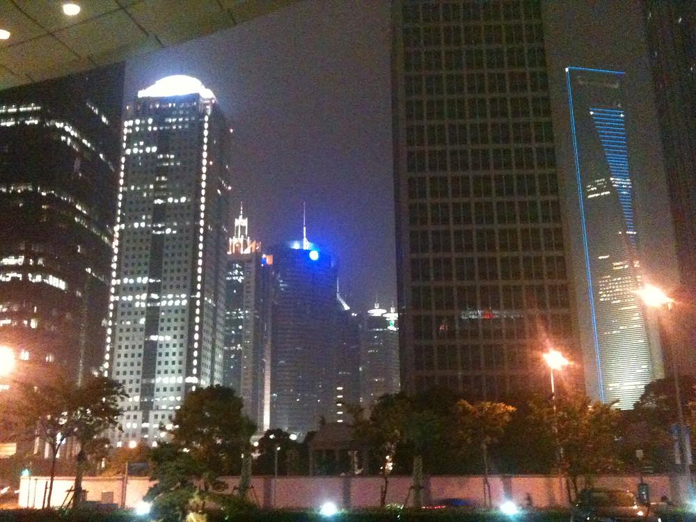上海に着いて3時間くらいで目や頭が痛くなりました