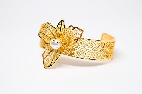Orchid Pearl Filigree Bracelet