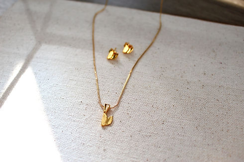 Ella Libre gold 2.jpg