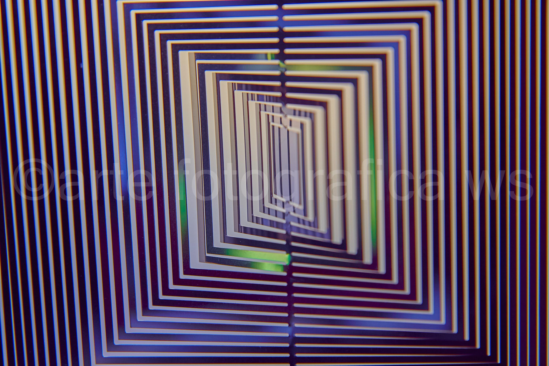 Windspiel-in-Blau-Lila-Grün