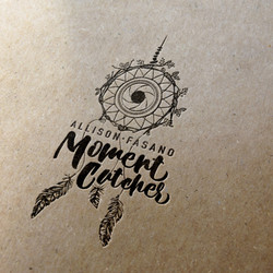 Logo Moment Catcher