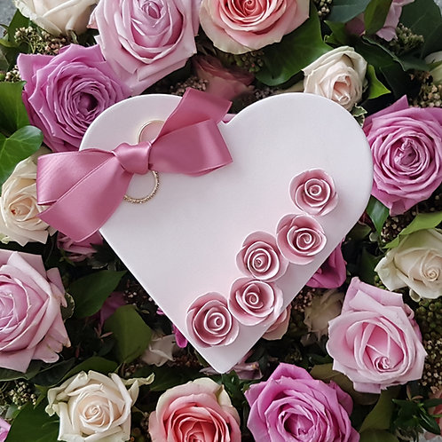 Ringschale Cremeweiss mit 5 Rosen Rosé