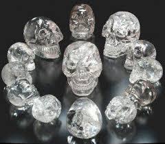 A propos des crânes de cristal